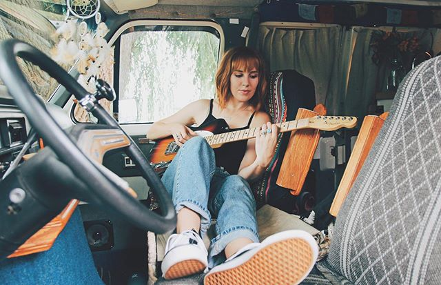 It's been a longggg time coming...but the blog is back! 💫 Today's feature is on @savannahkingmusic, a singer-songwriter who has been living for three years out of a 1987 Ford Campervan. Find out how she and her partner create music while sharing a small space together. Visit my IG stories to listen to some of her music inspired by her travels. (link in bio) 📷 @savannahkingmusic