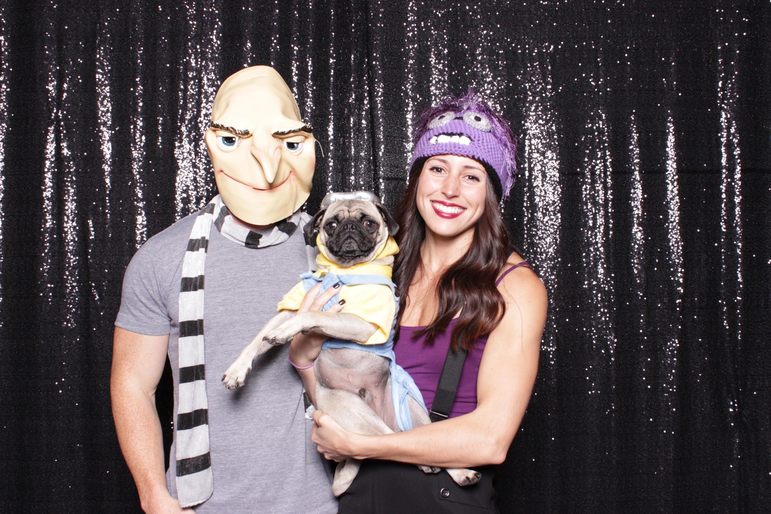 Love this costume combo, gotta love the pug!