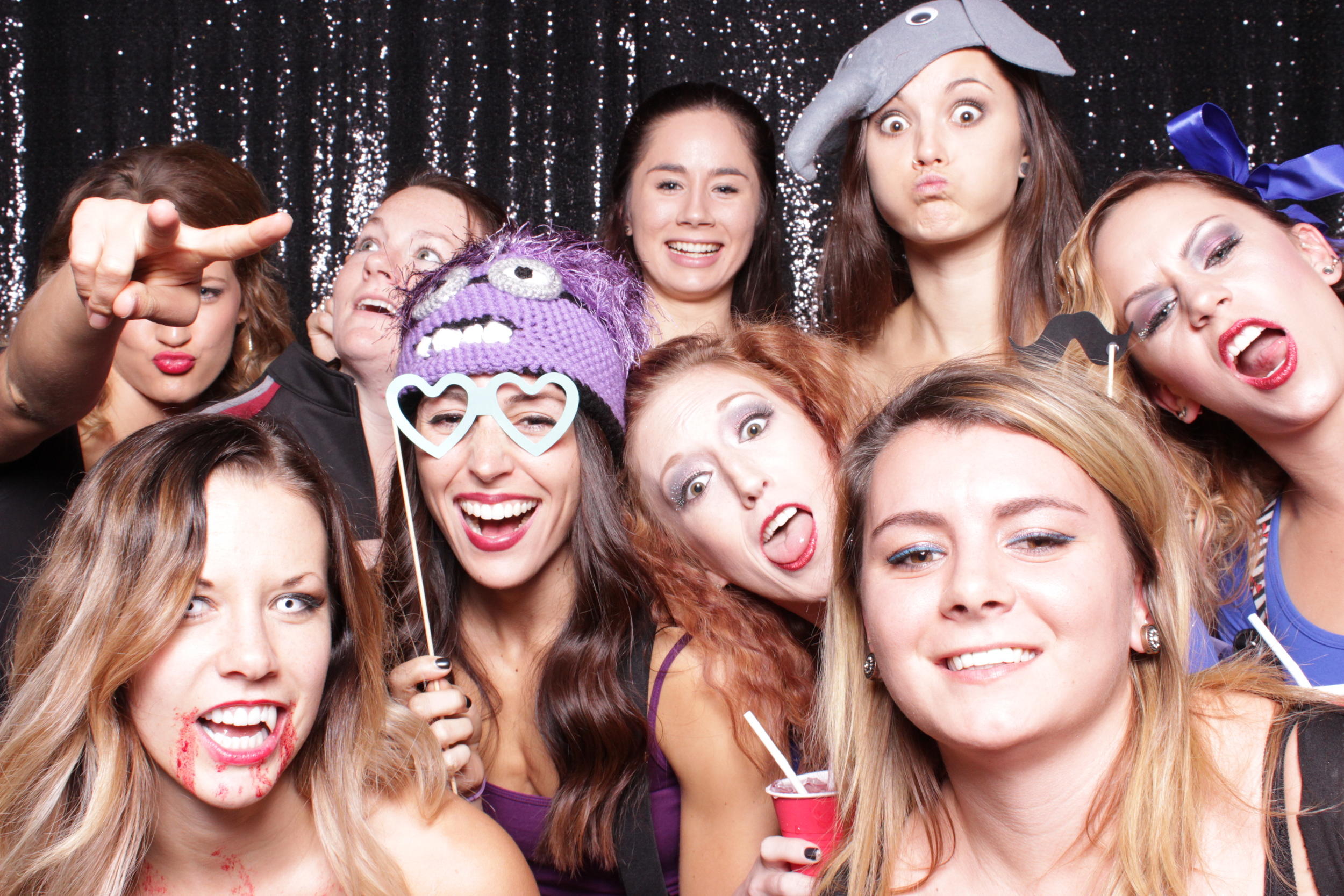 Notice how many people you can fit in the TréBooth! And this is just getting started!