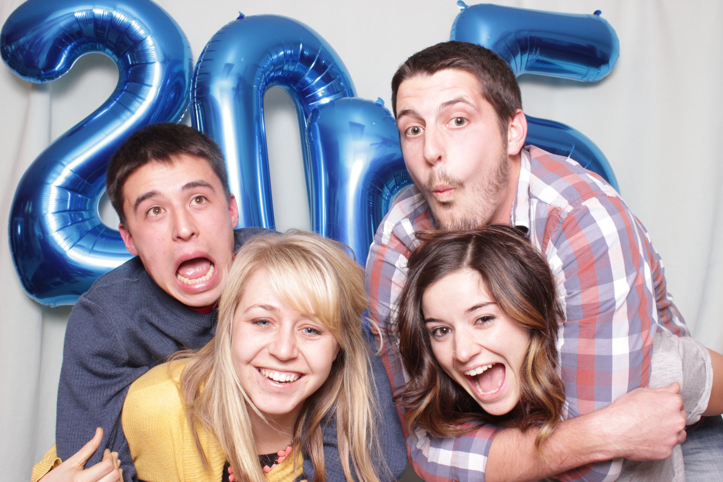 photo-booth-rental-in-chico-california-new-years-party-couples