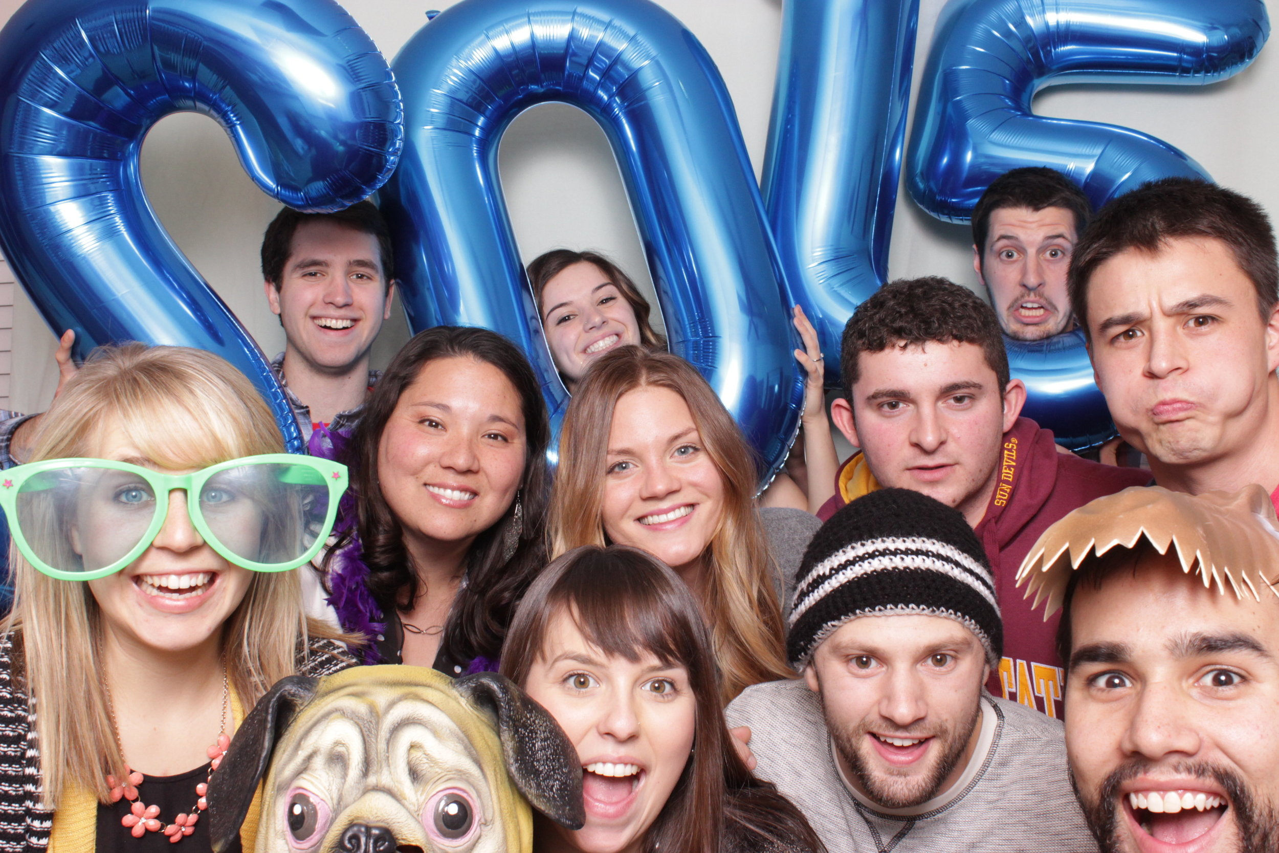 Group shot! Love getting shots like this in the open-air photo booththat you couldn't get in any other photo booth!