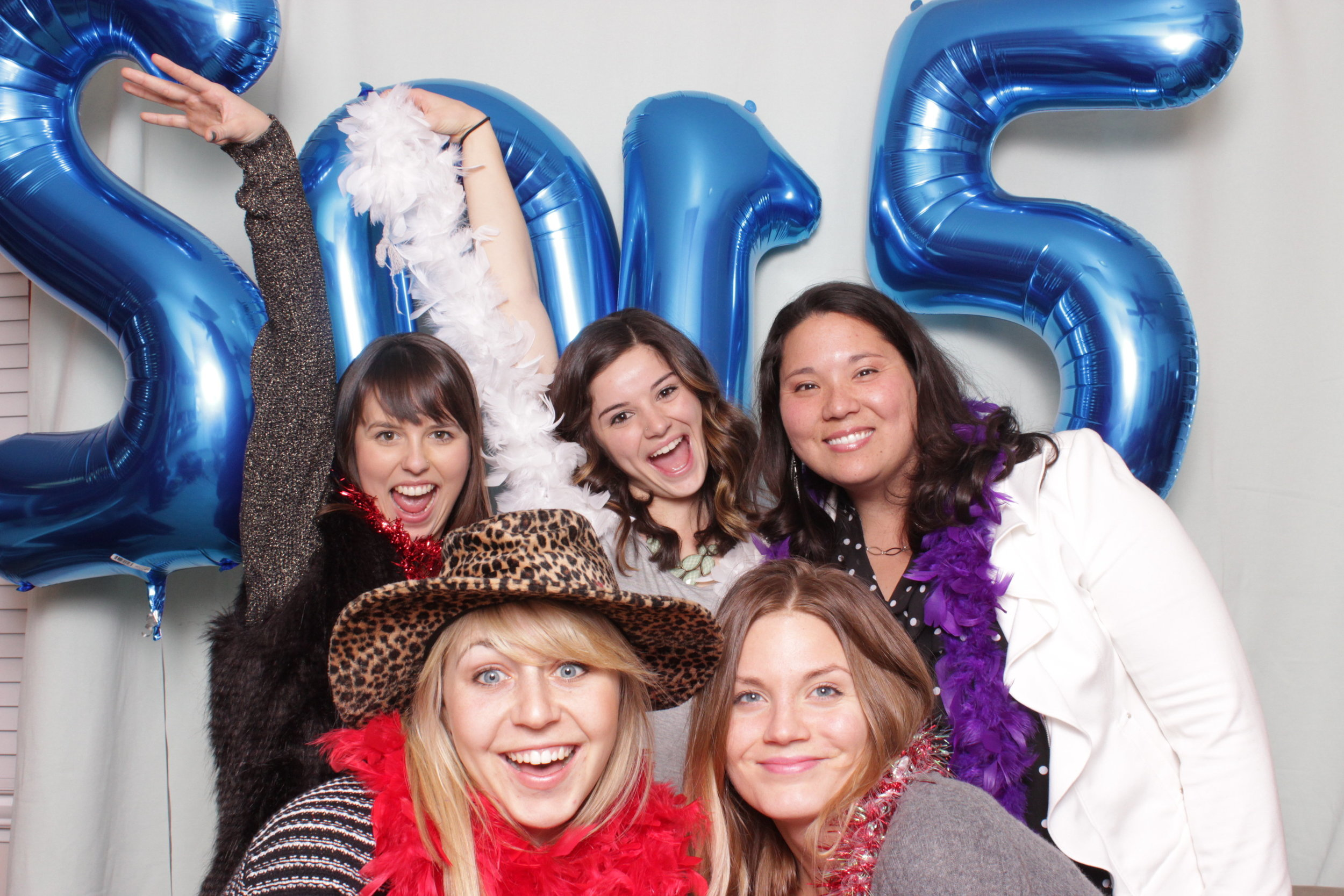 photo-booth-rental-in-chico-california-new-years-party-girls