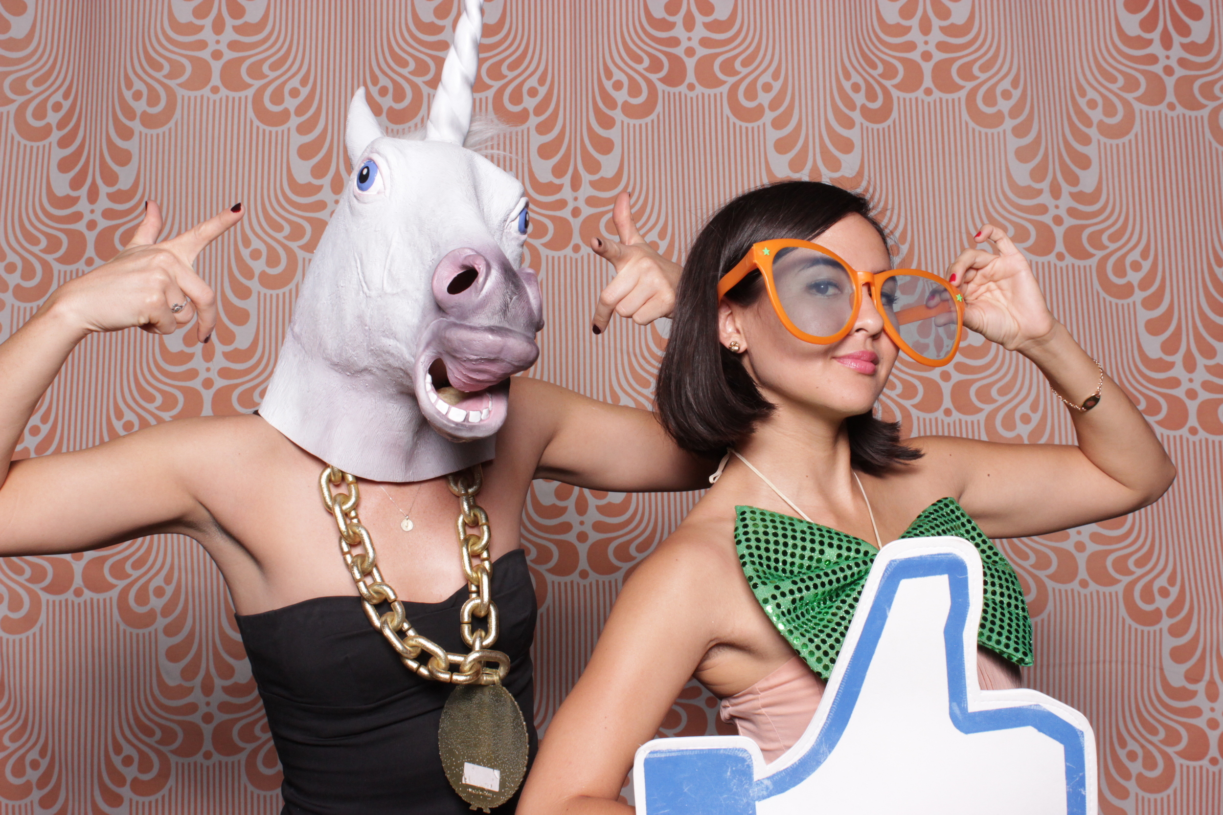 chico-photo-booth-rental-thumbs-up-unicorn-prop