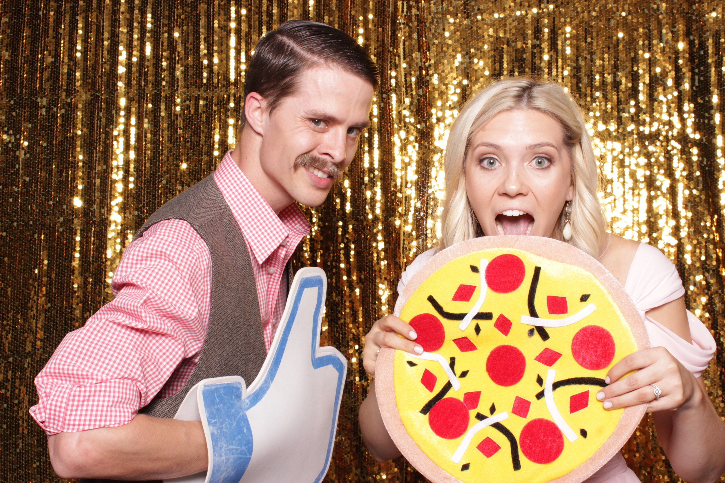 chico-photo-booth-rental-pizza