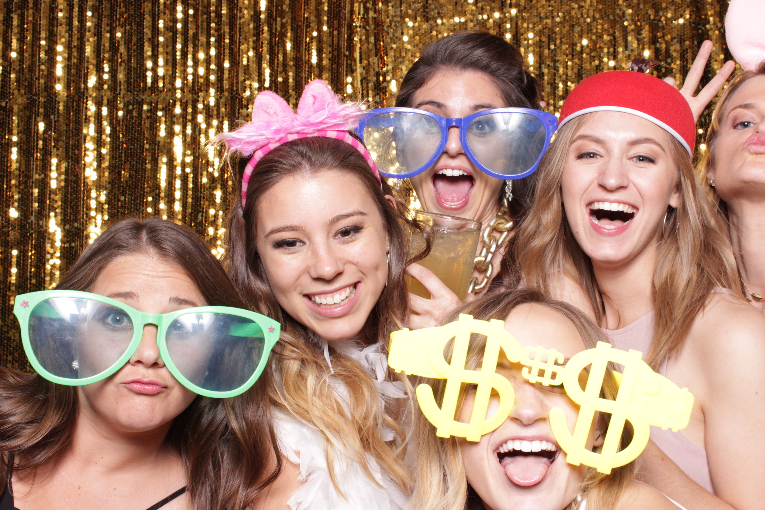 chico-wedding-photo-booth-rental-trebooth-fun