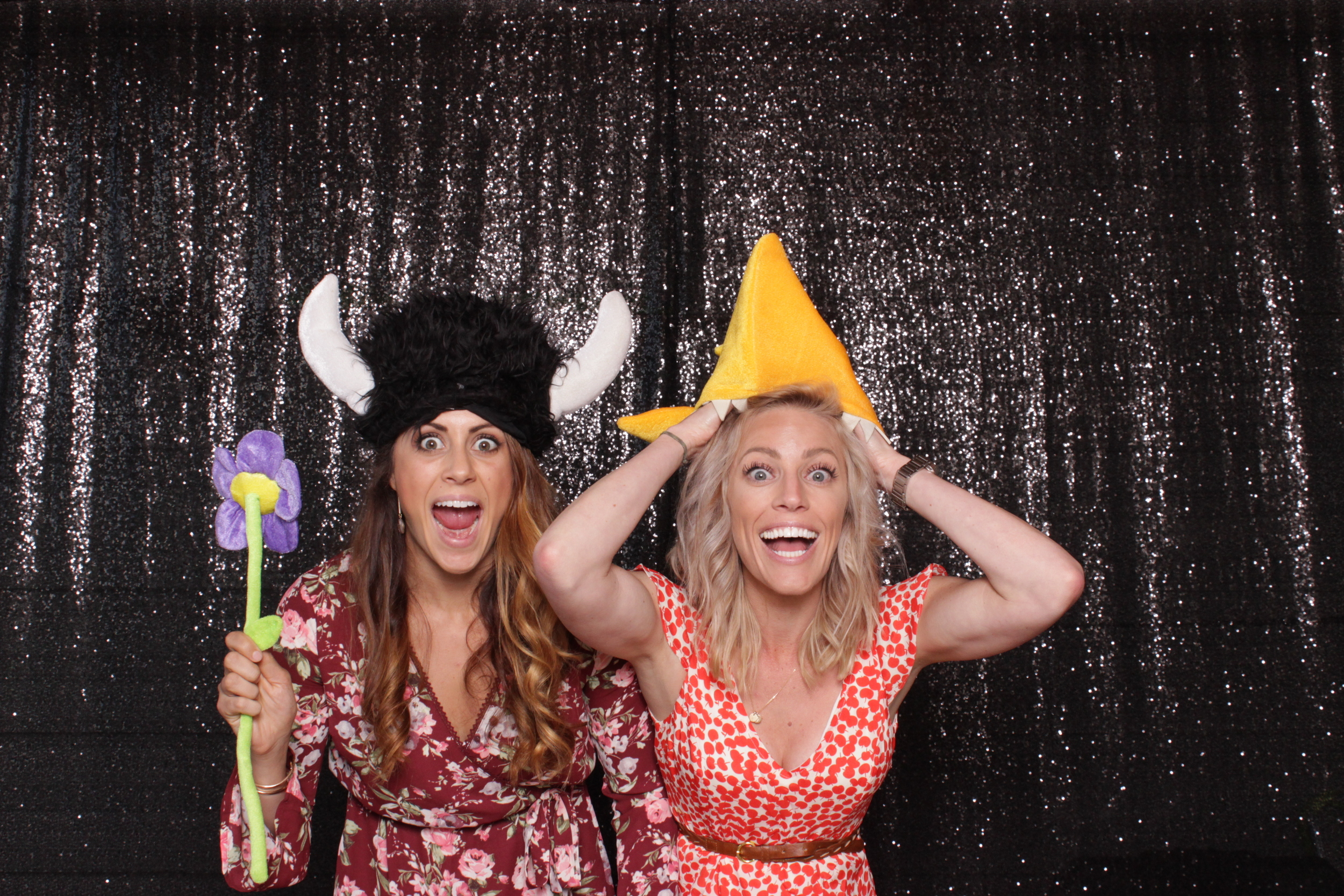 chico-open-air-photo-booth-style-fun-girls
