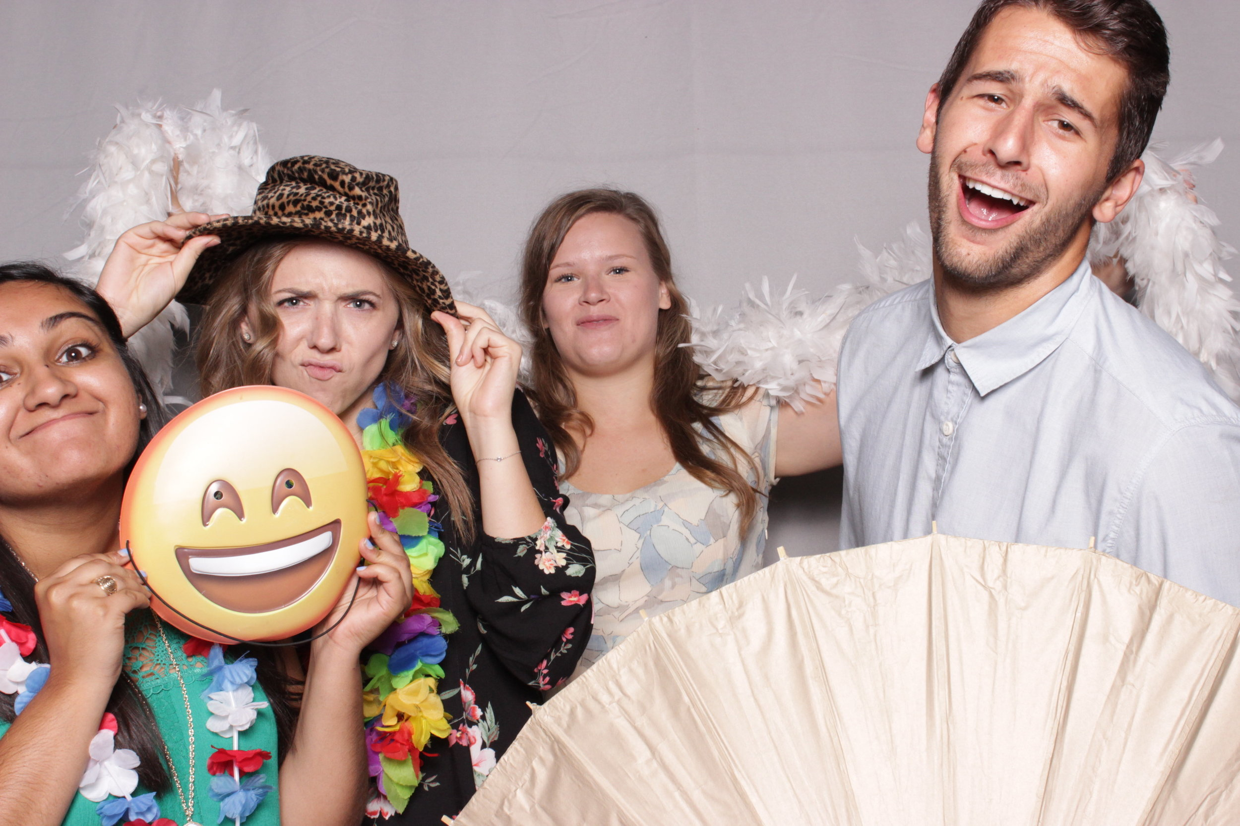photo-booth-rental-chico-california-gale-vineyards-wedding