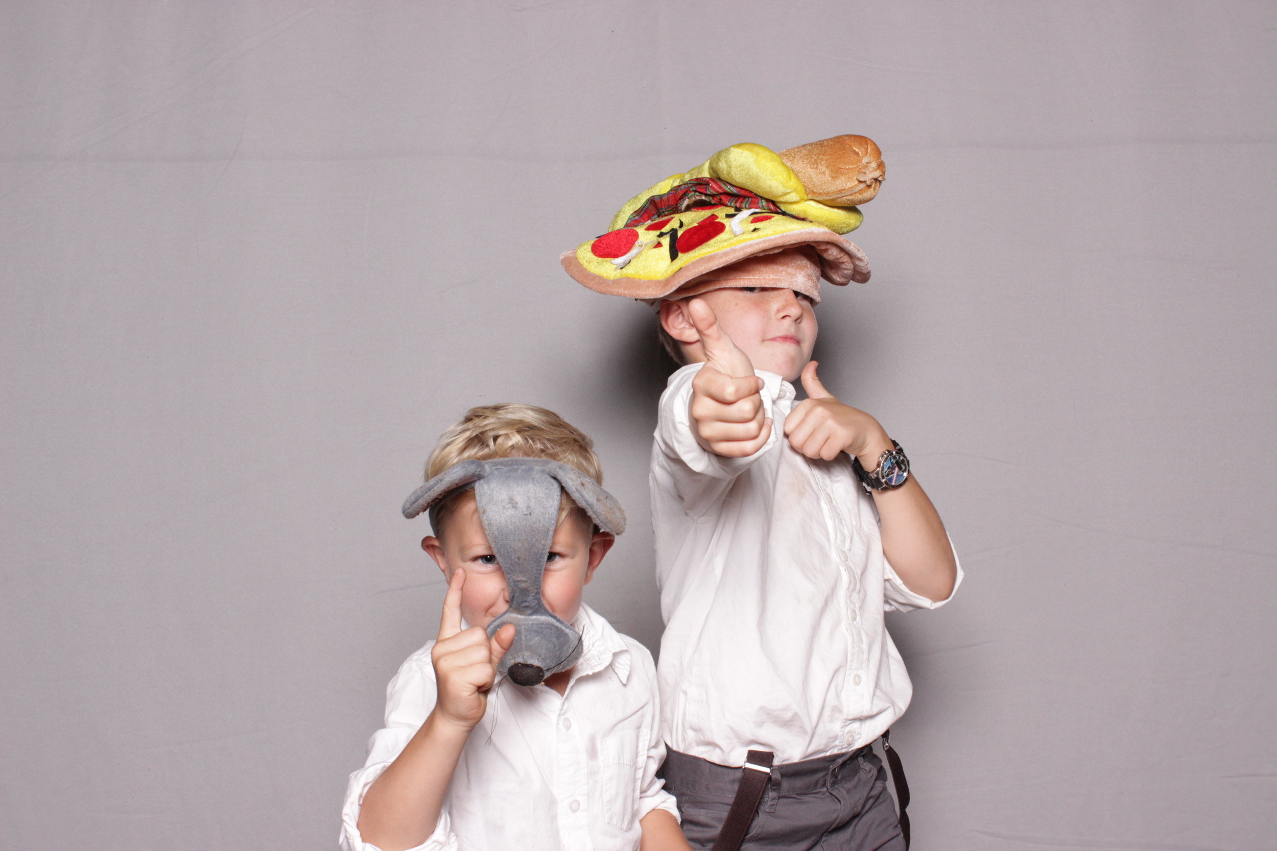photo-booth-rental-chico-california-gale-vineyards-wedding-cool-kids