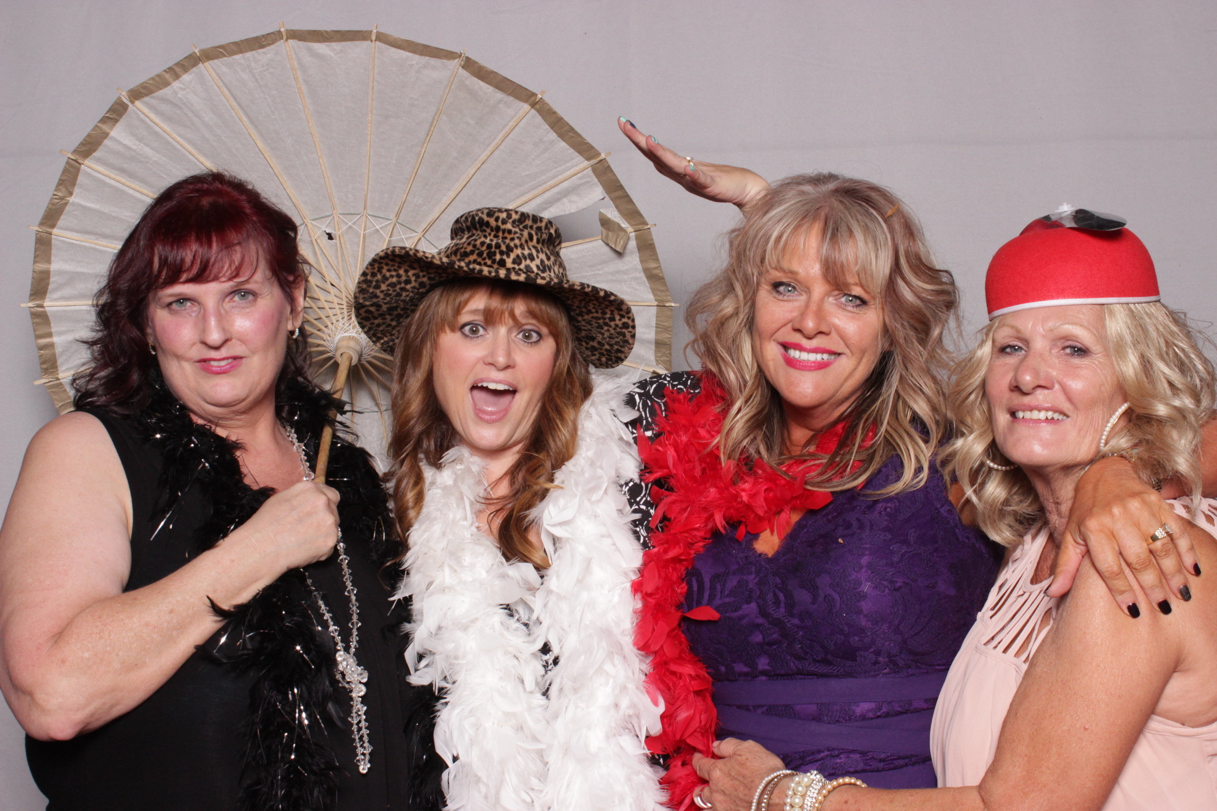 photo-booth-rental-chico-california-gale-vineyards-wedding-fun-moms