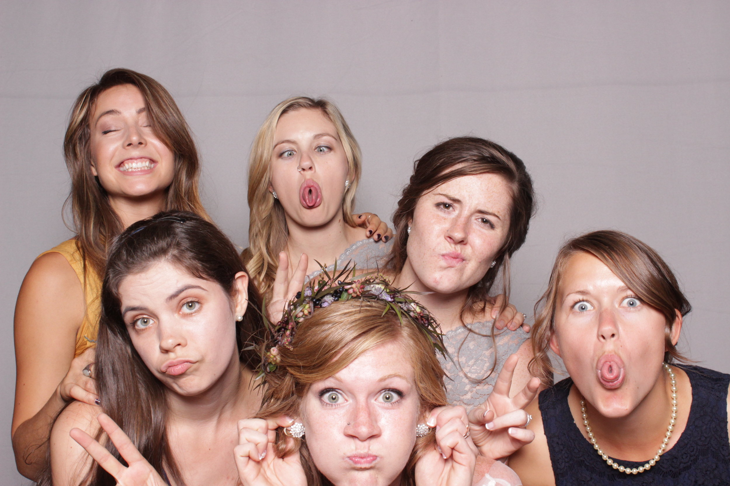 photo-booth-rental-chico-california-gale-vineyards-wedding-bridesmaids