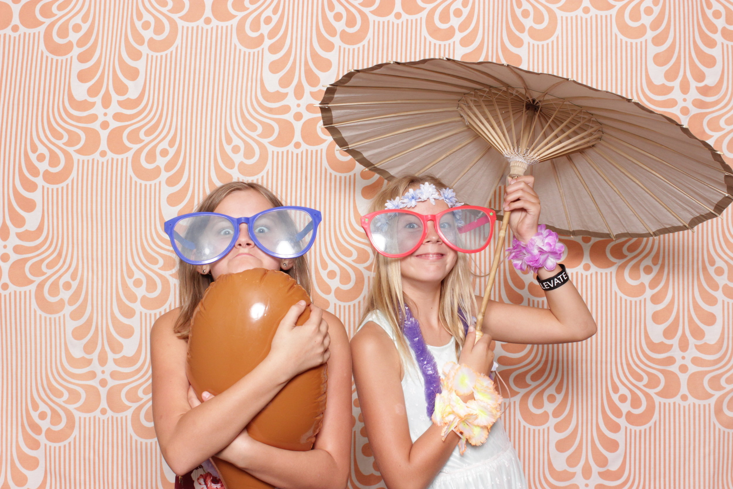 Infinite-hawaiian-luau-party-photo-booth-rental-chico