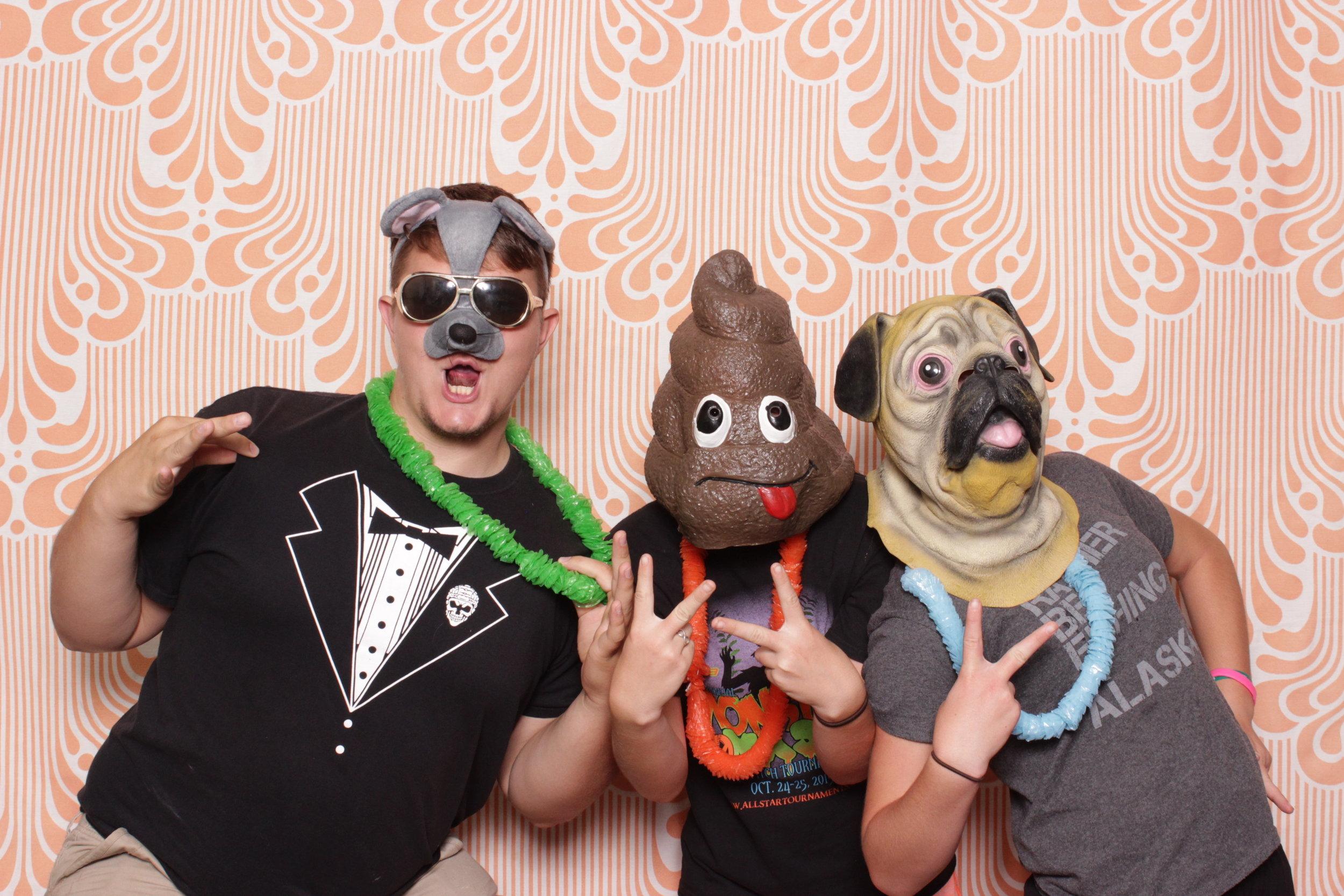 Infinite-hawaiian-luau-party-photo-booth-rental-chico-leaders
