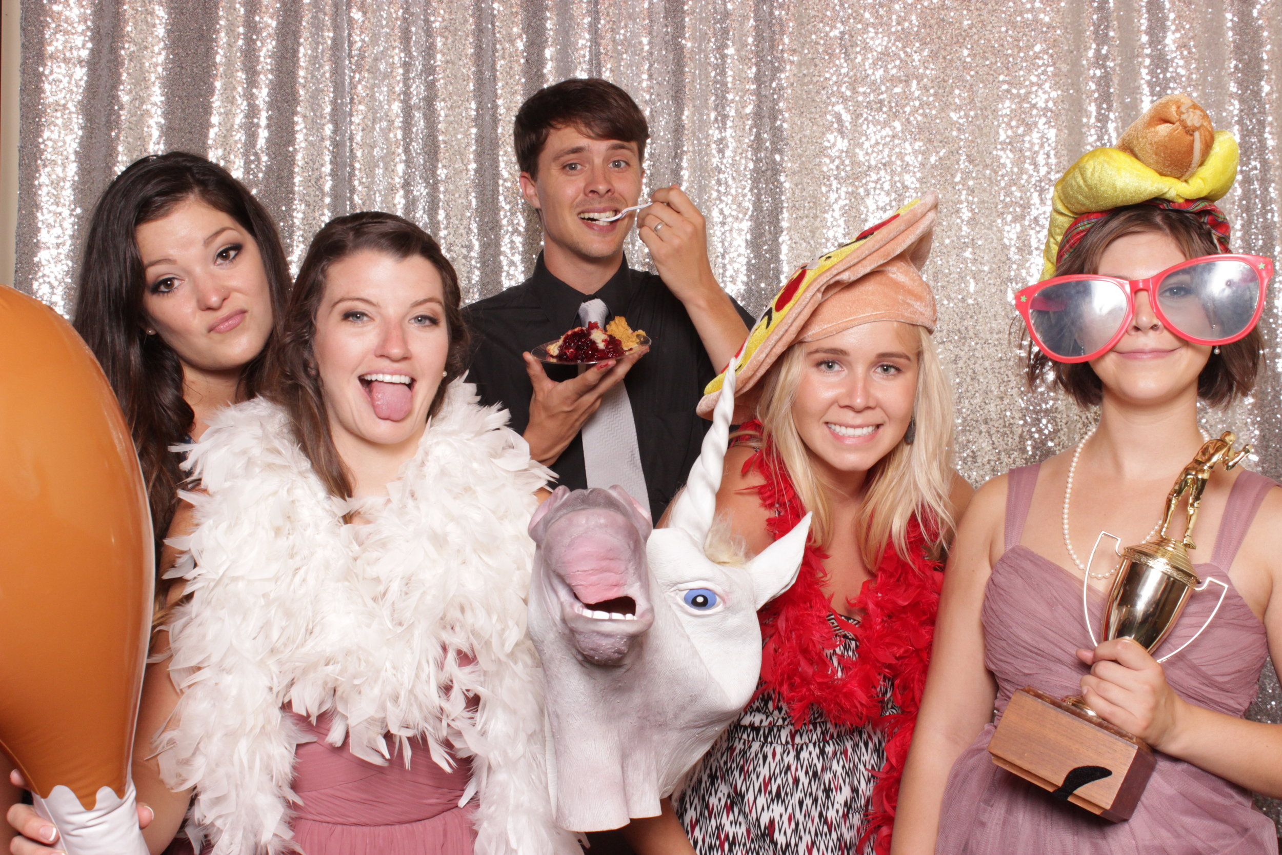 photo-booths-for-weddings