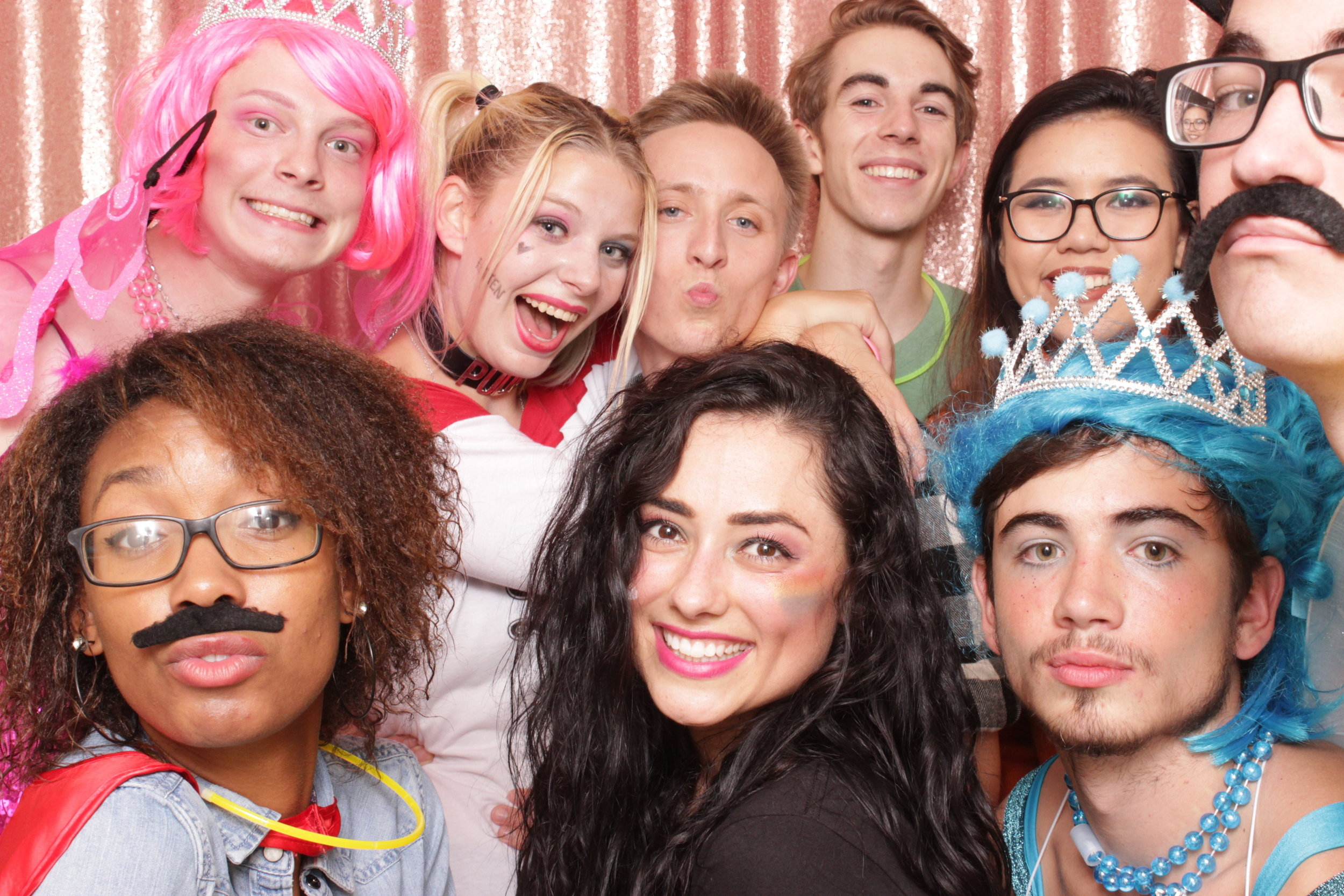 Chico-photo-booth-rental-multiple-people