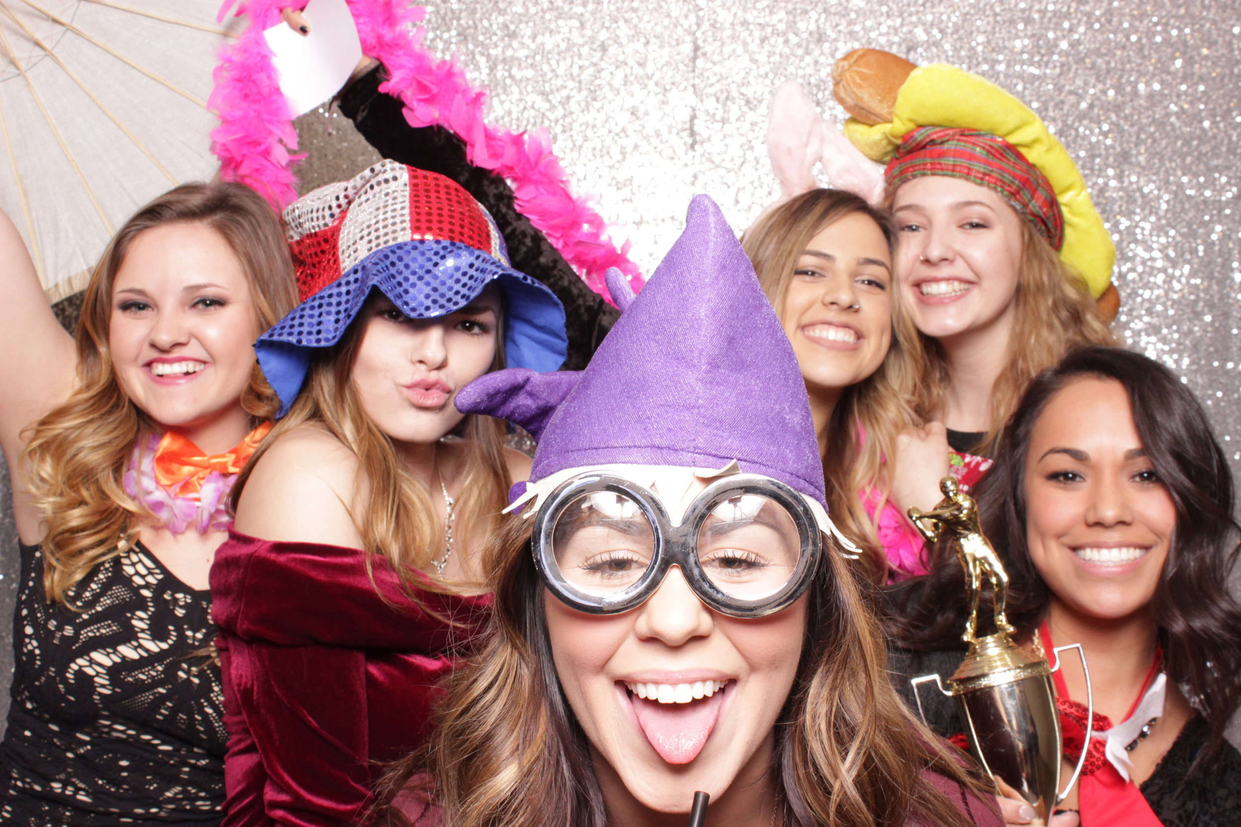 Chico-photo-booth-rental-smiles-laughter