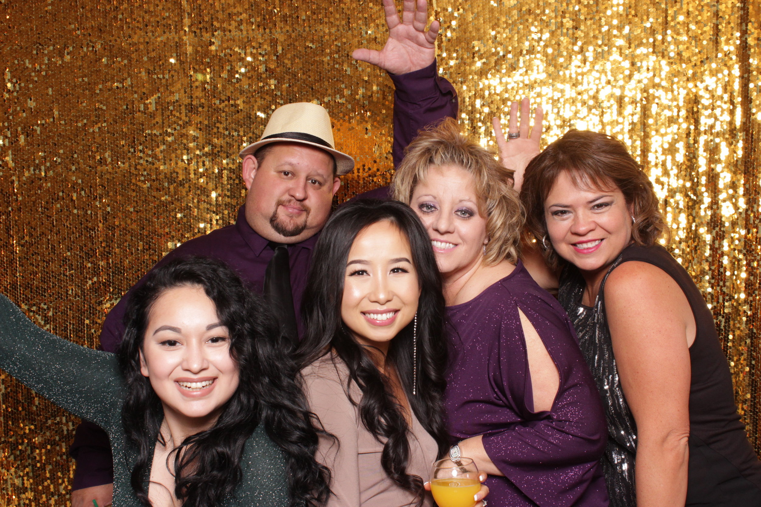 chico-photo-booth-holiday-rush-gold