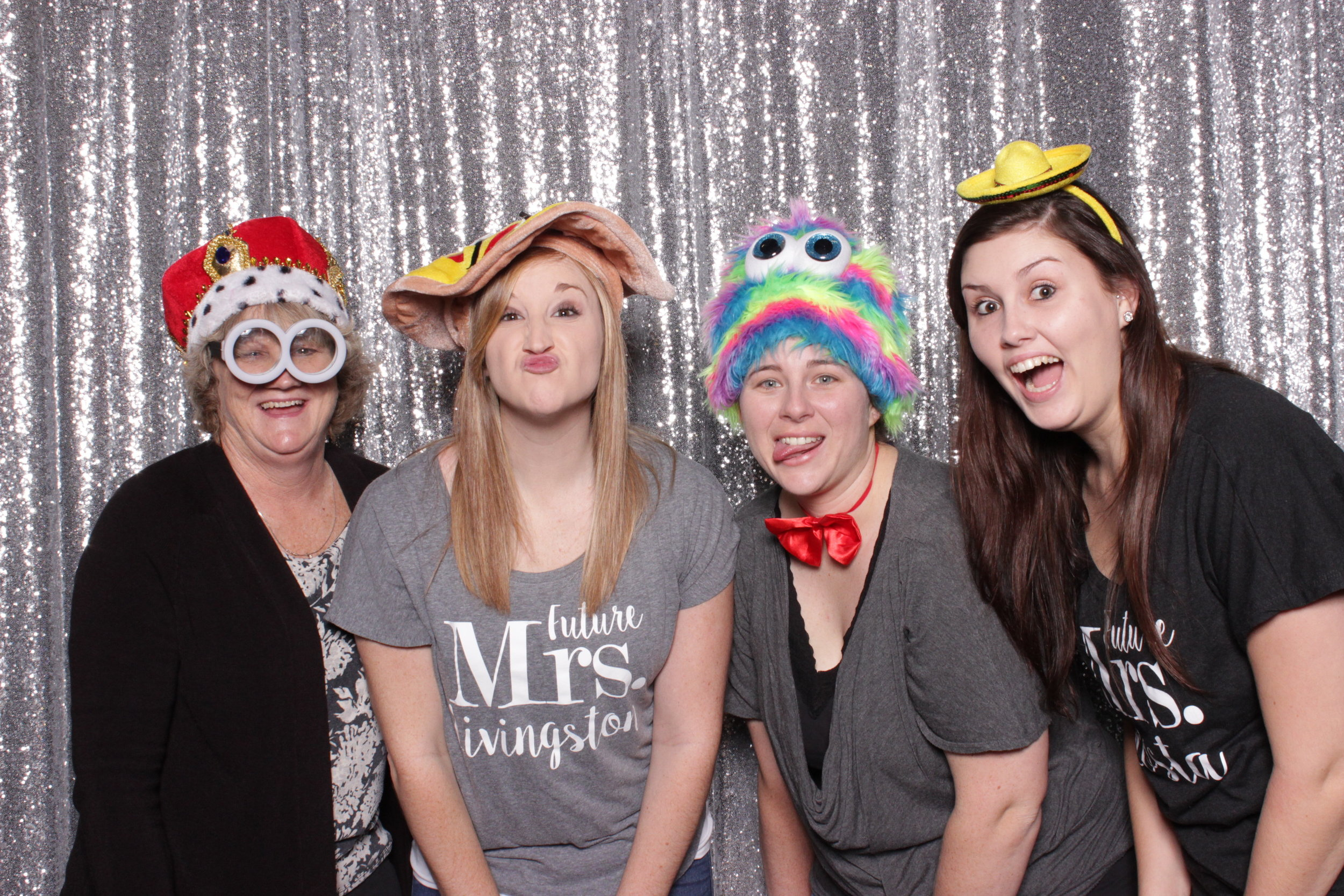 chico-bridal-show-photo-booth-minion