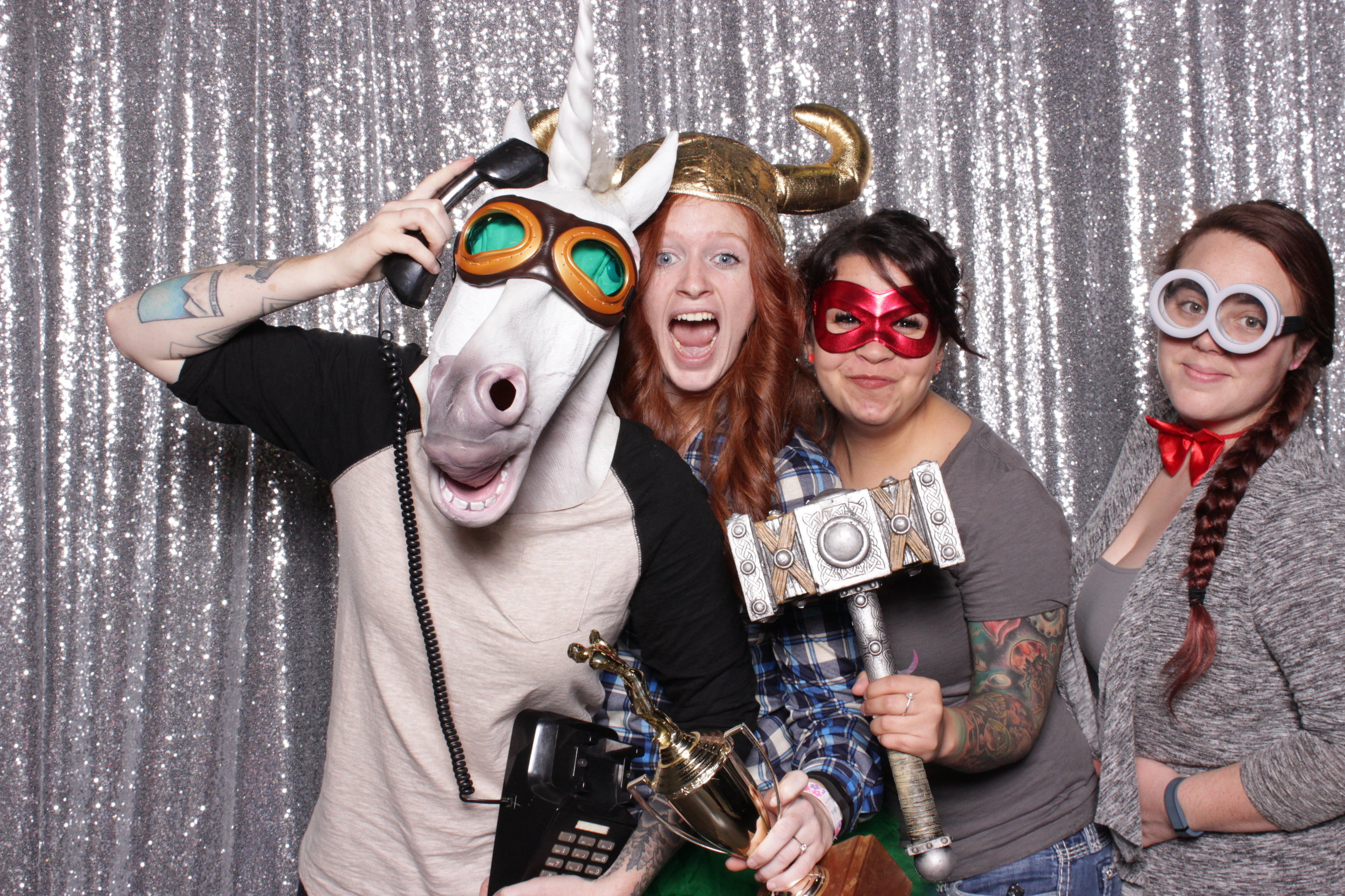 chico-bridal-show-photo-booth-unicorn-on-the-phone