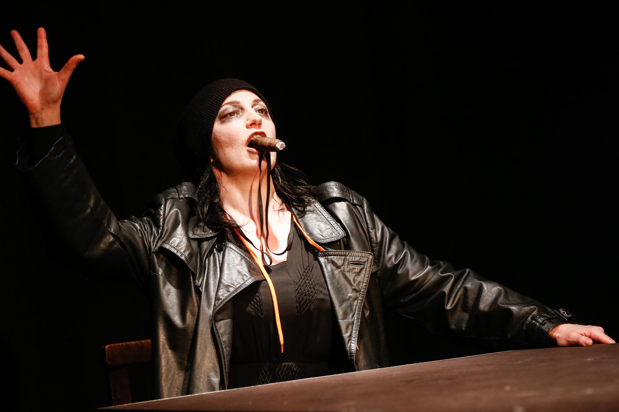 Tamara Stern als Brecht © Barbara Pálffy