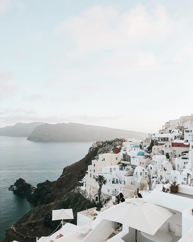 An open letter to our Dutch seat mate (on our flight into Athens) who warned us that Santorini was overrated: I politely disagree, sir. 💁🏼‍♀️ Also, I'm answering some of our most-asked travel questions today for those interested! (Link in profile & whatnot)  #flyingwiththeflys