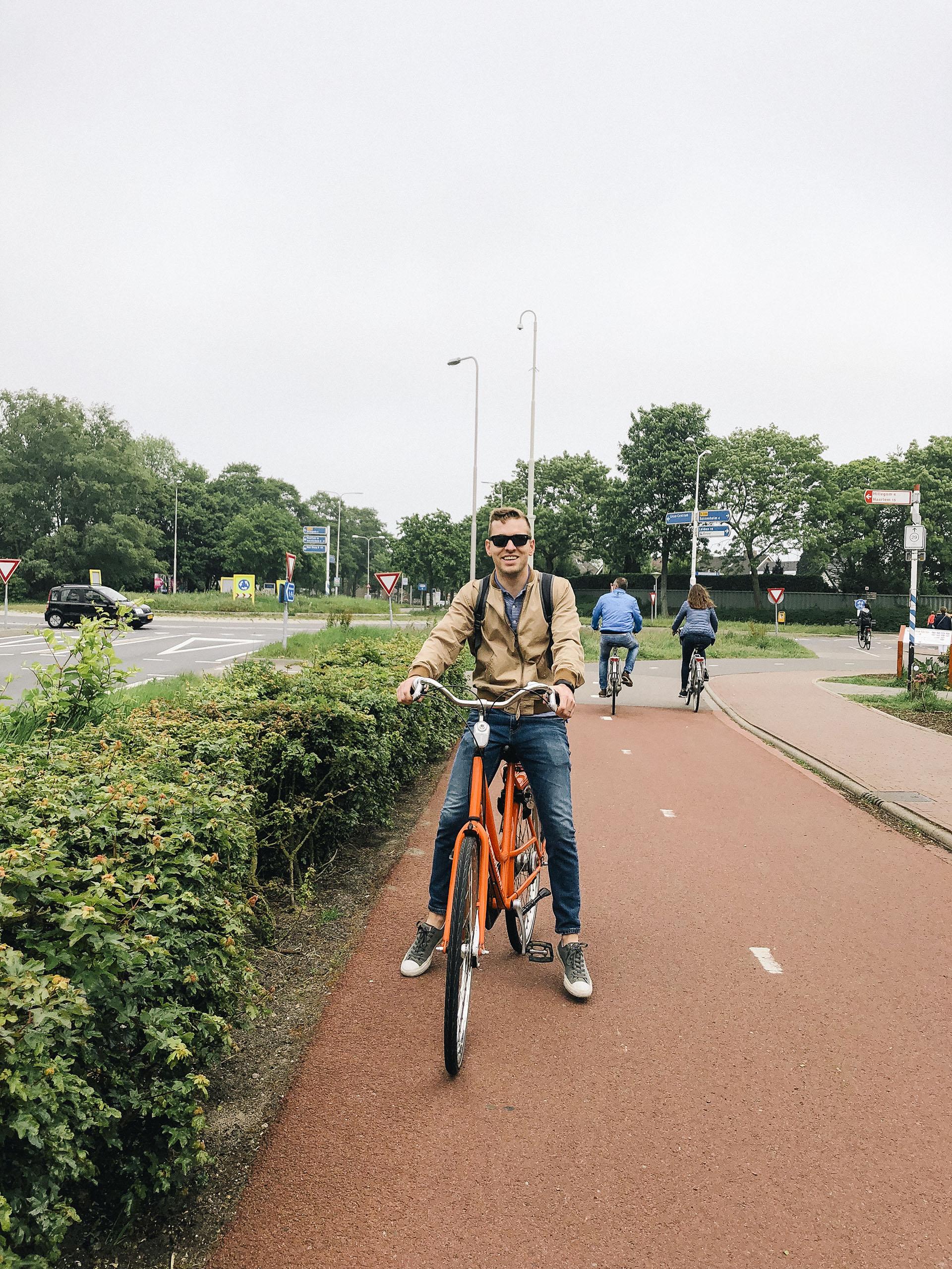 Riding bikes around Keukenhof