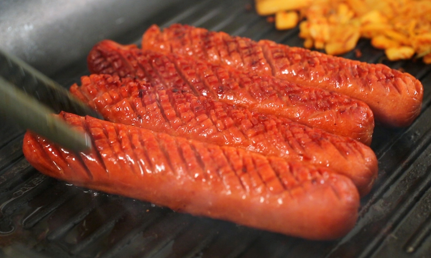 grilled bbq hot dogs