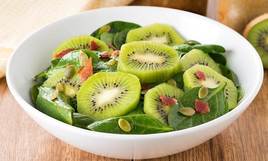 spinach and kiwi salad