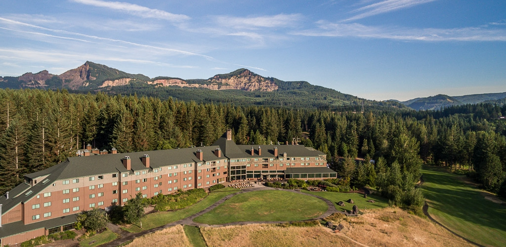 SKAMANIA LODGE OVERVIEW PROPERTY DRONE 2 Maximum JPEG CROPPED 1024x500.jpg