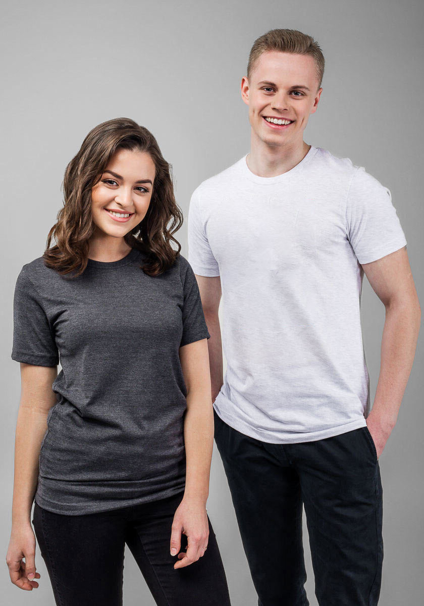 """Fit Guide - This male model is wearing a size M6'3"""" (190 cm) tallChest circumference 37¾ inches (96 cm)Waist circumference 33½ inches (85 cm)This female model is wearing a size M5'10"""" (178 cm) tallChest circumference 34⅝ inches (88 cm)Waist circumference 27⅛ inches (69 cm)Hip circumference 37¾ inches (96 cm)"""