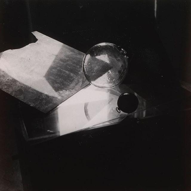 Afternoon pleasures. c.1920 #eileengray