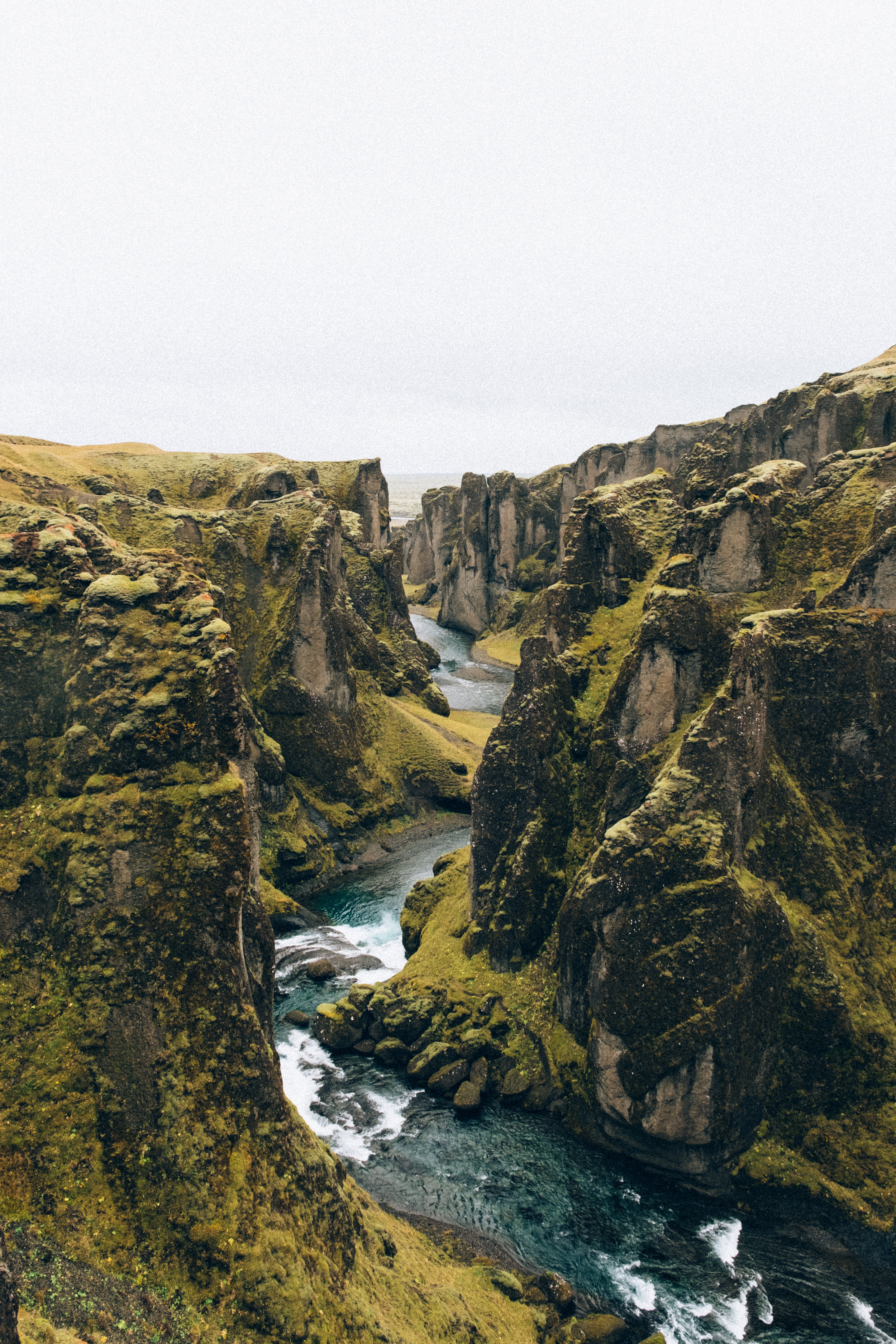 Fjaðrárgljúfur-14.jpg
