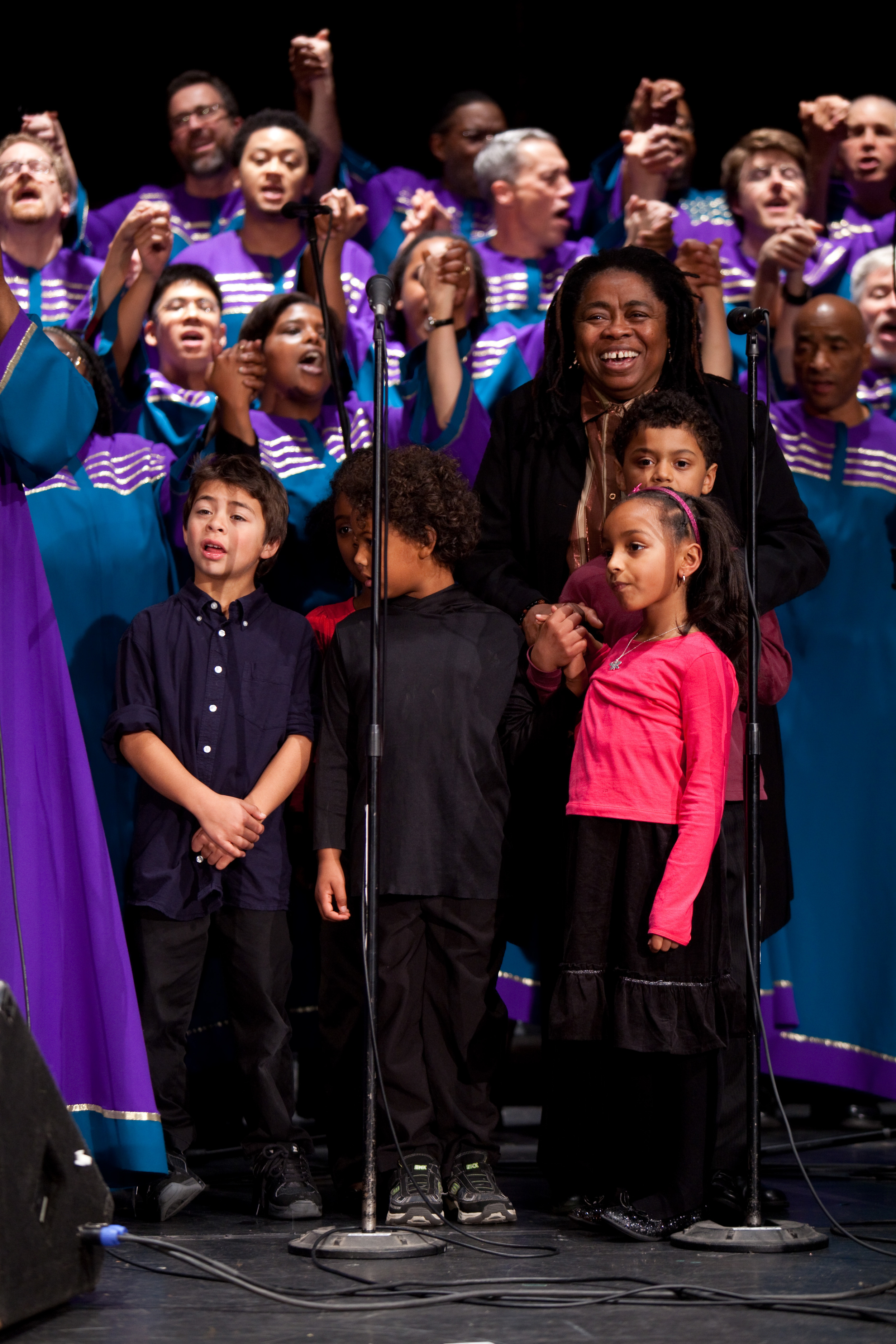 Melanie DeMore & Oakland Interfaith Gospel Choir
