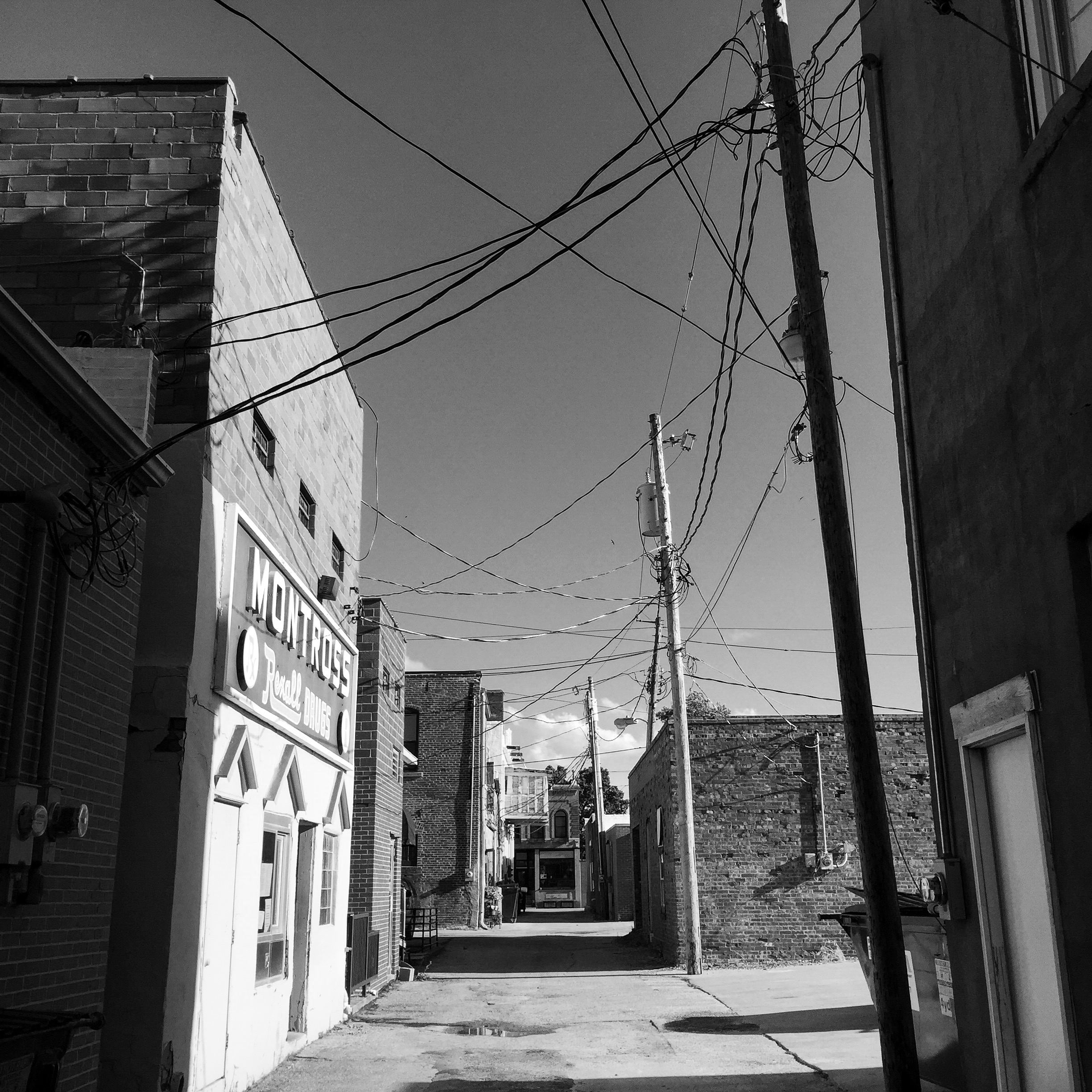 Alley. Winters, Iowa.