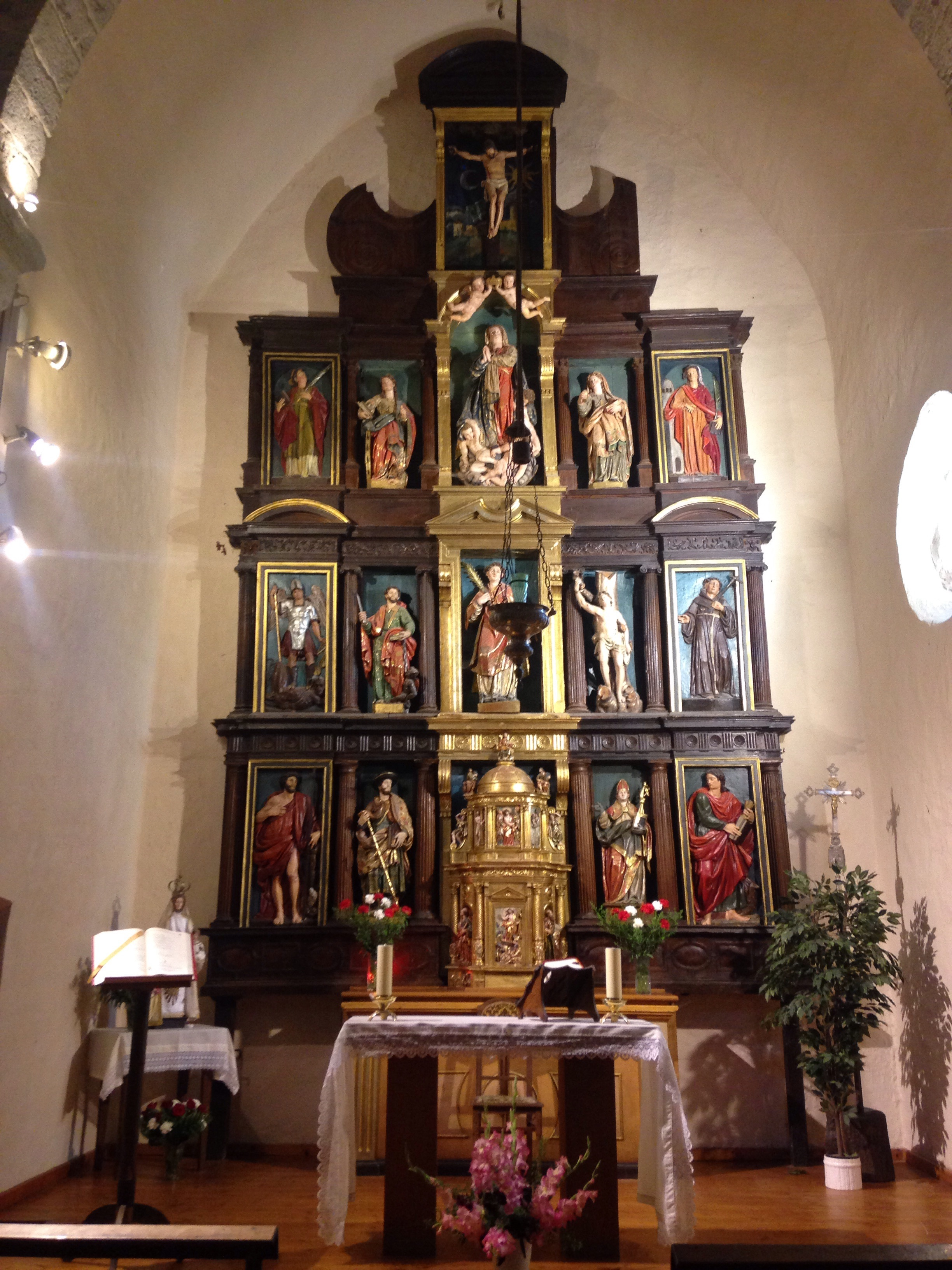 The alterpiece at Iglesia de San Esteban