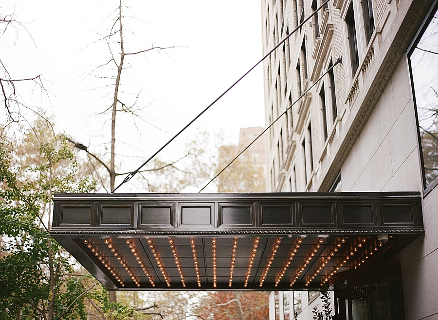GRAMERCY_PARK_HOTEL_NYC_ROOFTOP_WEDDING_MT_001.jpg