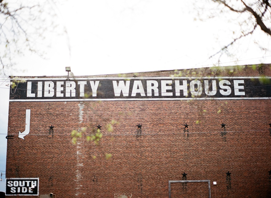RKP_LIBERTY_WAREHOUSE_BROOKLYN_WEDDING_NYC_022.jpg