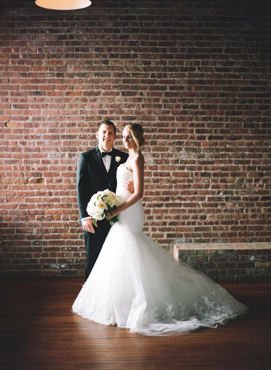 RKP_LIBERTY_WAREHOUSE_BROOKLYN_WEDDING_NYC_025.jpg