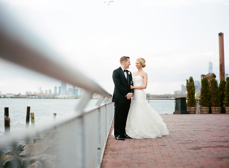 RKP_LIBERTY_WAREHOUSE_BROOKLYN_WEDDING_NYC_030.jpg