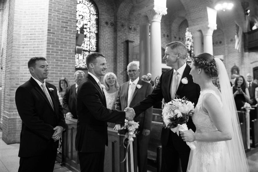 RKP_BAY_SHORE_NY_TENTED_WEDDING_0018.jpg