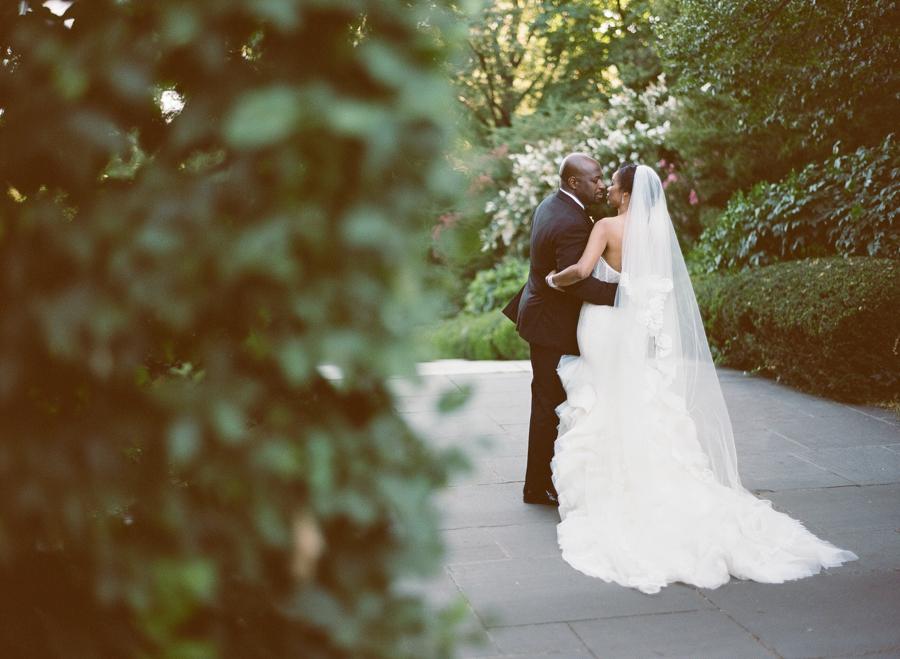 RKP_BROOKLYN_BOTANIC_WEDDING_NY_026.jpg