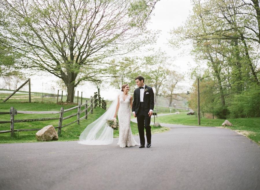 RKP_BLUE_HILL_AT_STONE_BARNS_WESTCHESTER_WEDDING_VENUE_0018.jpg