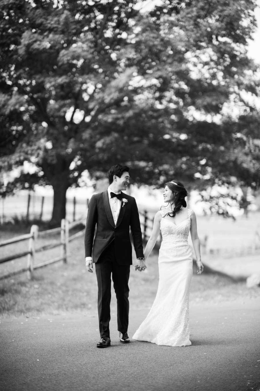 RKP_BLUE_HILL_AT_STONE_BARNS_WESTCHESTER_WEDDING_VENUE_0024.jpg