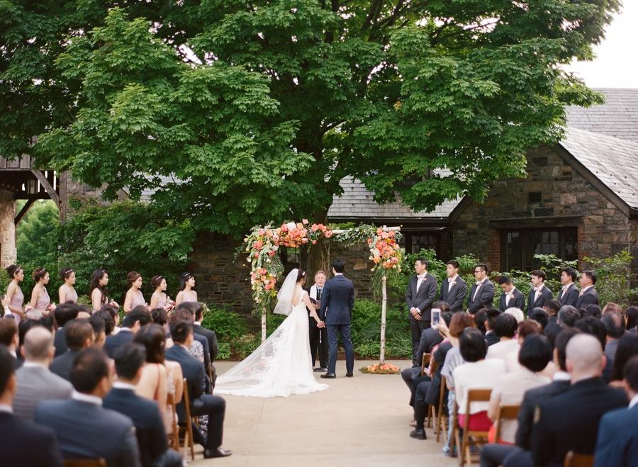 RKP_BLUE_HILL_AT_STONE_BARNS_WESTCHESTER_WEDDING_VENUE_0030.jpg