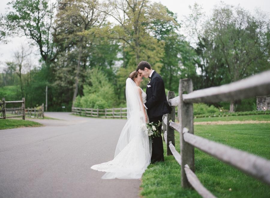 RKP_BLUE_HILL_AT_STONE_BARNS_WESTCHESTER_WEDDING_VENUE_0045.jpg