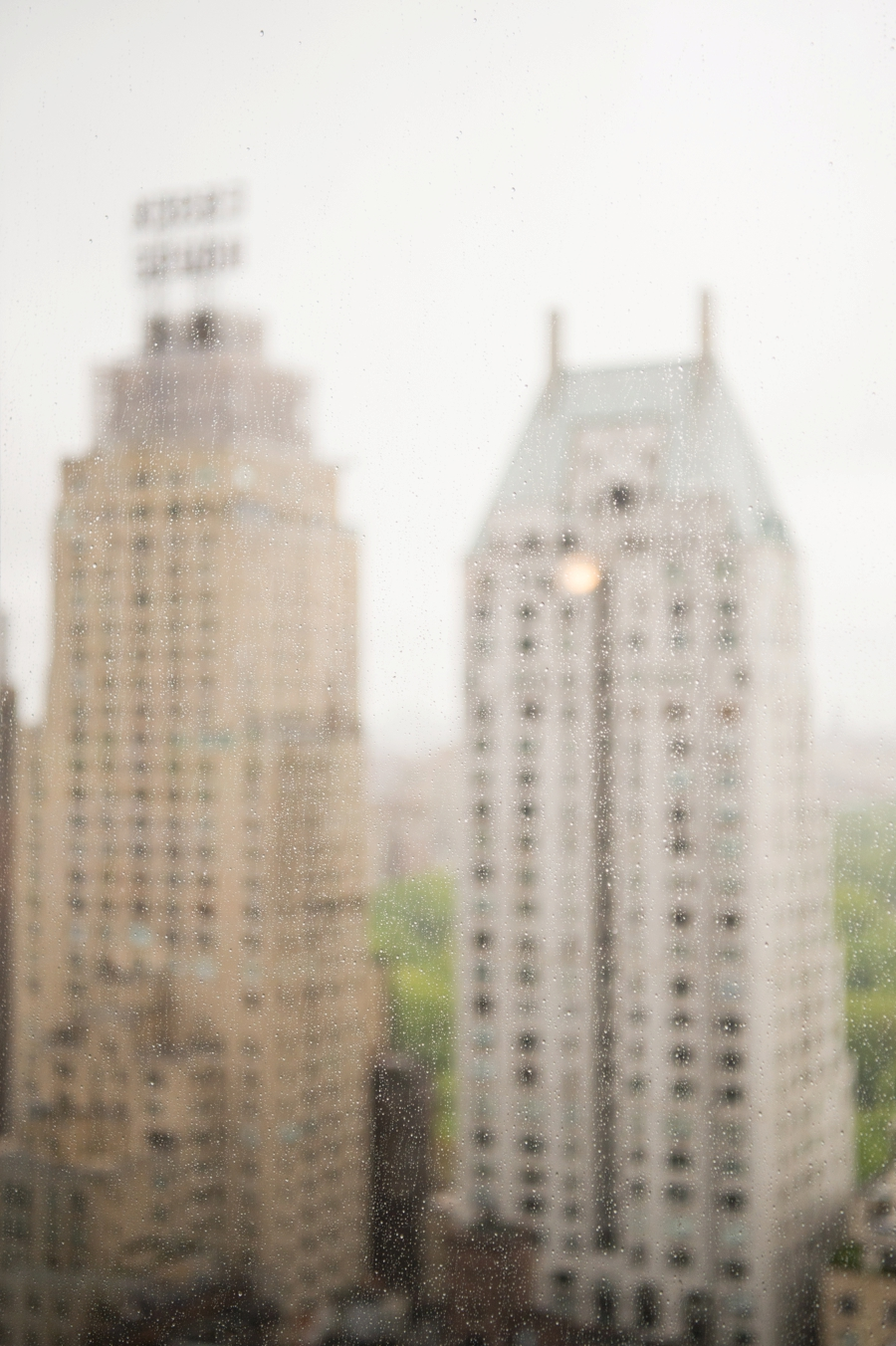 Le_Parker_Meriden_NYC_Rainy_Day_Wedding_TB_0001.jpg