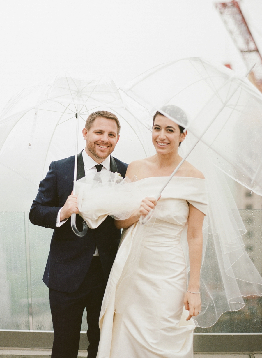 Le_Parker_Meriden_NYC_Rainy_Day_Wedding_TB_0034.jpg