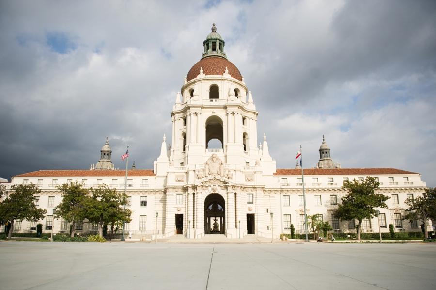 Pasadena_City_Hall_Engagement_Photos_JC_01.jpg