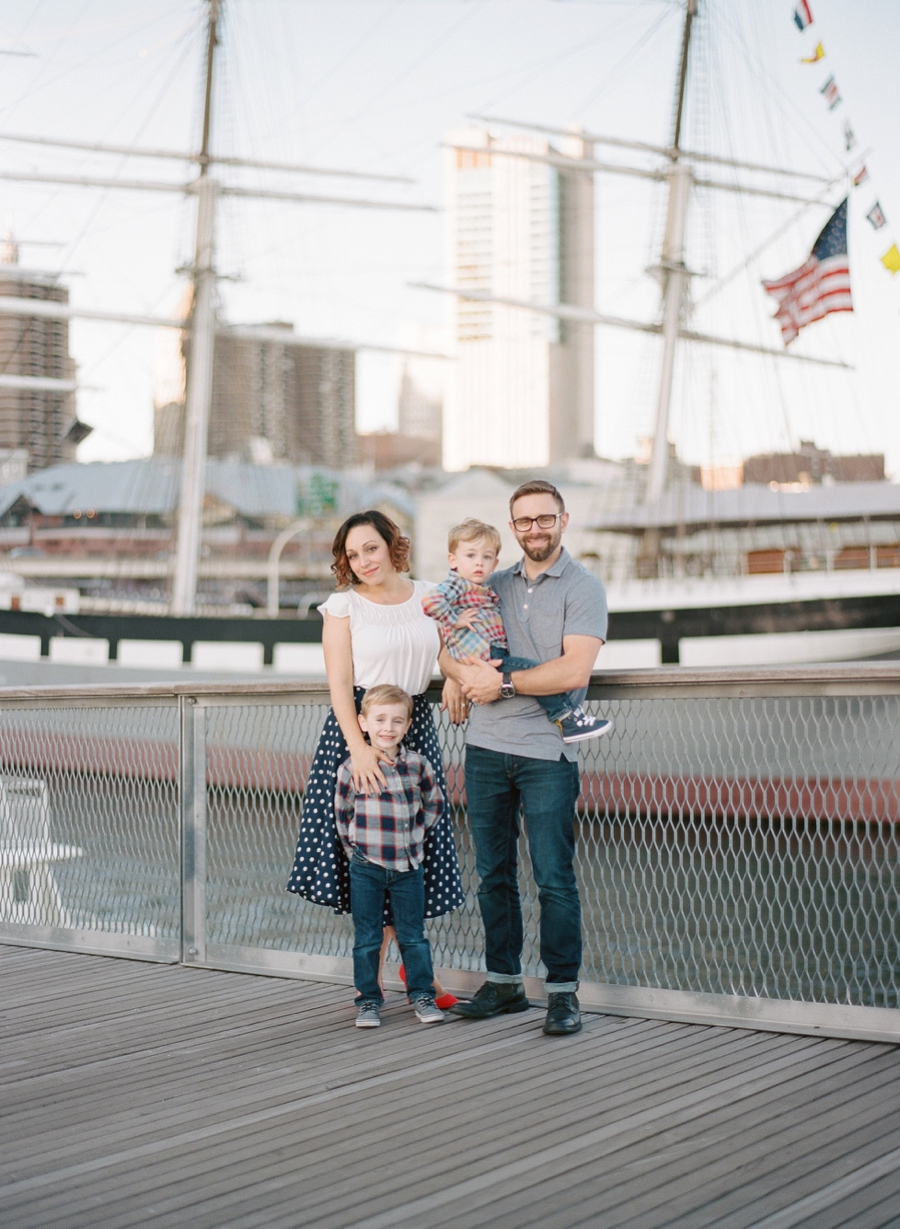 South_Street_Seaport_NYC_Family_Session_014.jpg