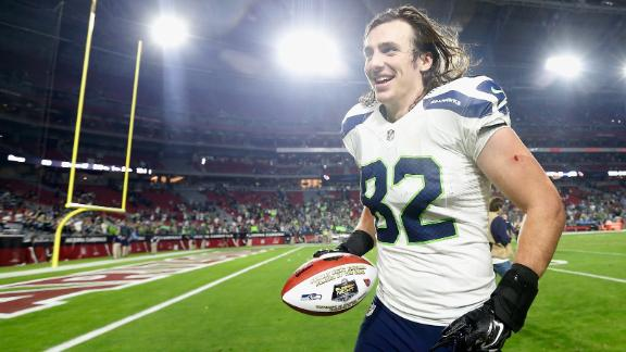 Luke Willson gets SNF Game Ball after Seahawks 35-6 Victory over the Cardinals