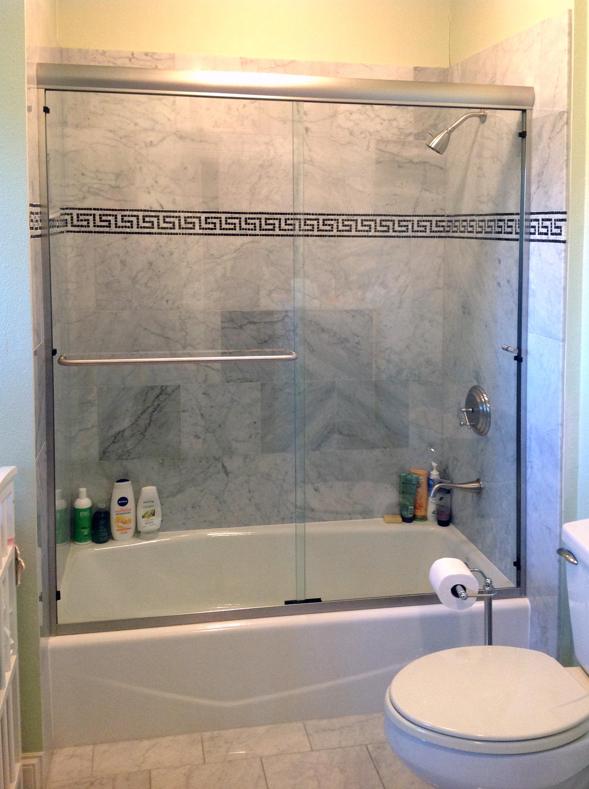 Frameless Sliding Bath Tub Door with Header